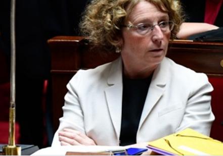 Fraudes au code du travail par sa ministre en titre
