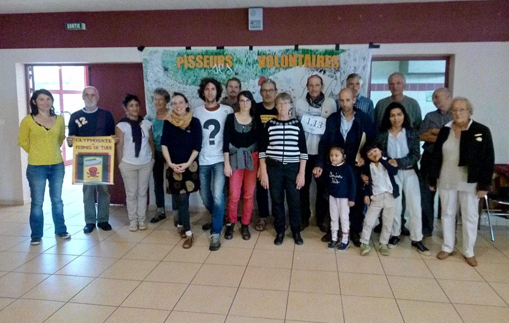 Organisateurs de la Campagne Glyphosate 46, les pisseurs et pisseuses à Gourdon