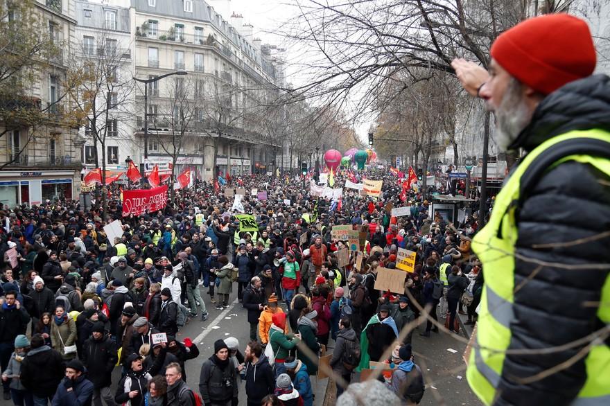 les_français_dans_la_rue
